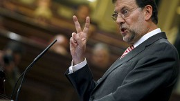 Rajoy assumes the cost of the crisis