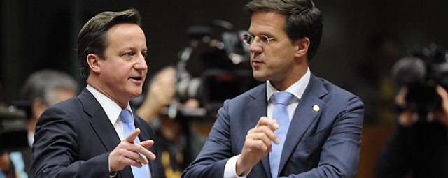 Britain Prime Minister David Cameron (L) and Netherlands Prime Minister Mark Rutte