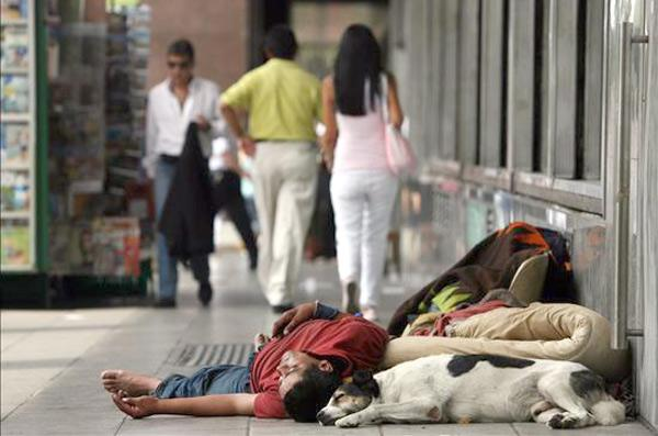 Eurostat: 27 in every 100 Spaniards at risk of poverty