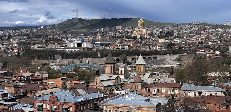800px 20110421 Tbilisi Georgia Panoramic