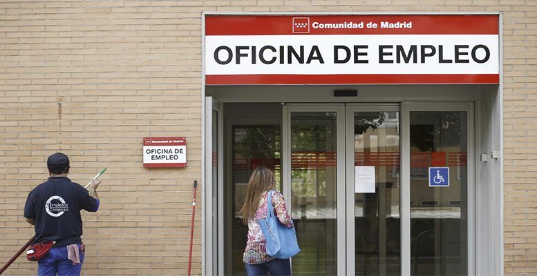 Spain jobless people fell to a new record in May