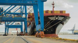 Spain exports compensate for political uncertainty