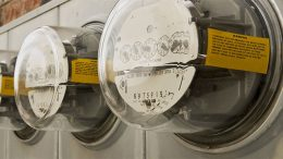Spanish regulator wants to control debt and dividends of electricity companies