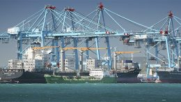 Spanish ports workers on strike