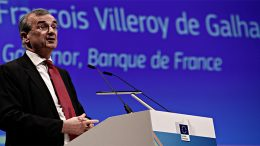 Governor François Villeroy bets on European banks mergers