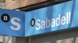 The sale of Sabadell's unproductive shares will allow the bank to reduce its capital consumption