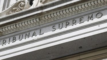 The Supreme Court decides that customers should pay stamp duty -Spanish banks rise 5%