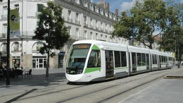 CAF consolidates its position in France with the rehabilitation of 43 trains for Paris