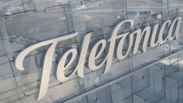 "Telefónica issues the first perpetual ""green"" hybrid bond in the global telecom sector"