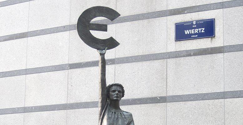 Euro sculpture