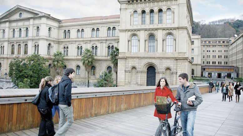 spain foreign students